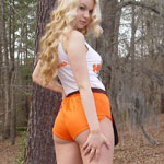 Hooters Girl - Picture 6