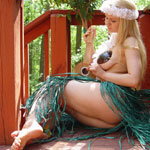 Buxom Coconuts Hula Girl - Picture 8