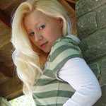 Teen Blonde In Cute Green Shirt - Picture 12